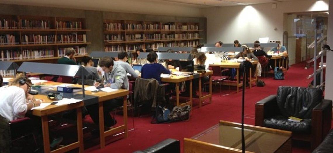 Entenda a importância do domínio do inglês para estudantes de sociologia
