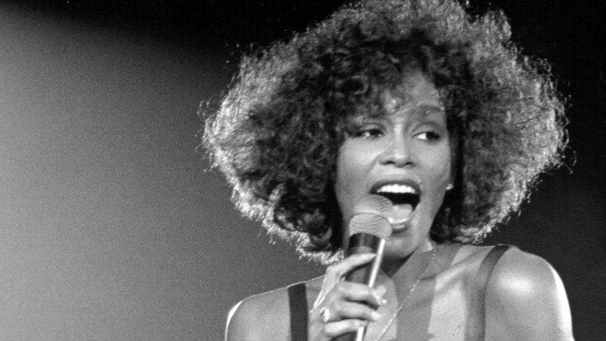 modices-Whitney-Houston-destaque #ÉCoisaDePreto